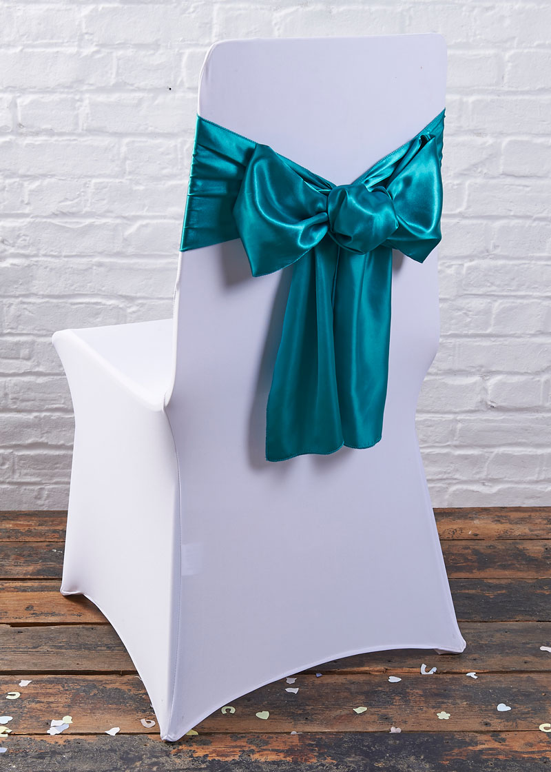 Charmant White Chair Cover Teal Sash