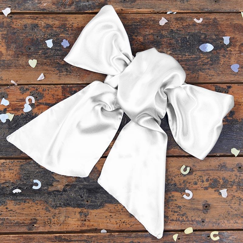 white-bow